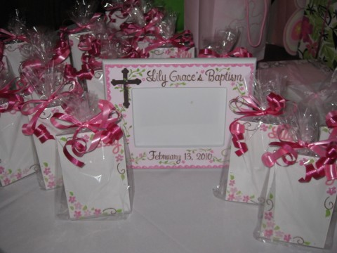 Party Favors 4x6 lucite frame