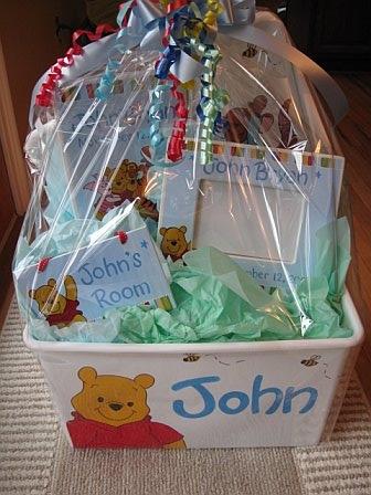 Pooh Birth Bakset