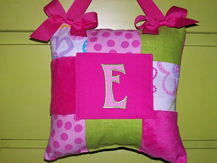 Initial Tooth Pillow Bright Pink