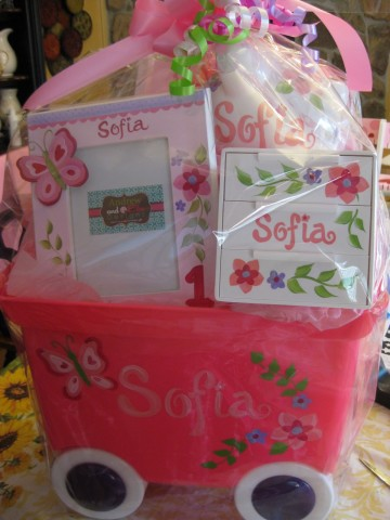 Gift Basket in Wagon Sofia